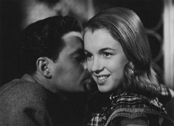 Мэрилин Монро – первый фильм и дебютная роль в кино, «Опасные годы» 1947 год