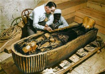 Открытие гробницы фараона Тутанхамона, история с фотографиями