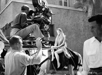 Как снимали обнаженную сцену верховой езды в фильме «Леди Годива из Ковентри» - фото и интересные факты со съемочной площадки