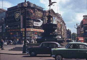 Цветные фото Лондона 1960-х годов: городские достопримечательности и закоулки города