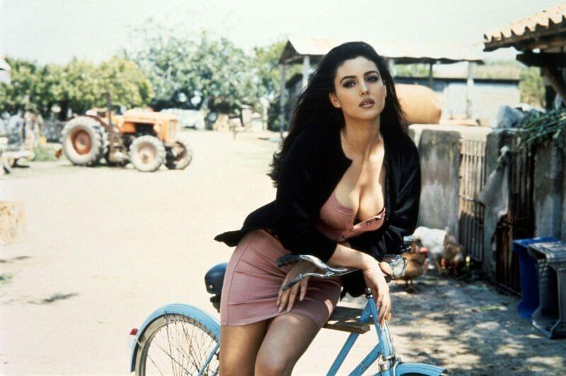 Моника Беллуччи – фото в молодости, биография и карьера модели итальянской звезды мирового кино