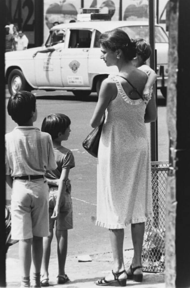 Мама с детьми, США