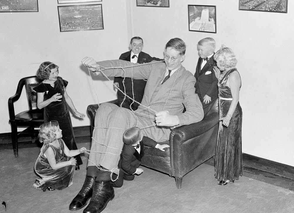 Роберт Уодлоу — самый высокий человек в истории (рост 272 см)